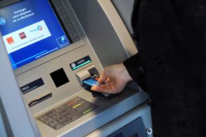 Оплата услуг жкх через банкоматы почта банка
