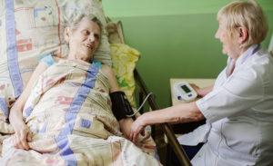 Сколько может находиться на больничном человек  переннесший инсульт