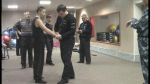 Практика охраника 4 разрядаа наручники