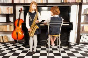 Можно ли играть в квартире на музыкальных инструментах в 2020 году