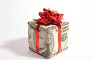 Денежные подарки сотрудникам налогообложение 2020